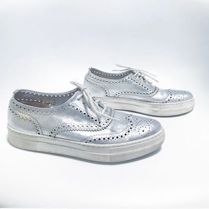 Shelly's London. Silver metallic oxford loafers